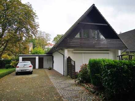 Burg-Grambke! Freistehendes Einfamilienhaus mit Garage in schöner Wohnlage!