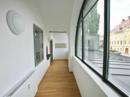 Klagenfurt - St. Veiter Ring - vis-á-vis City Arkaden: Charmante Büroräumlichkeiten im 1.OG eines revitalisierten Stadthauses