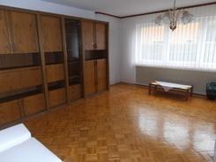4 81,42 m² ab sofort 490,- 210,- inkl. Zentrumsnahe 4.Zi.Whg.,Erdgeschoss,81qm,Bj.1965,teilmöbliert,...
