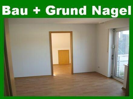 1,5-Zimmer-Singlewohnung mit Balkon in der Innenstadt. Einbauküche möglich!