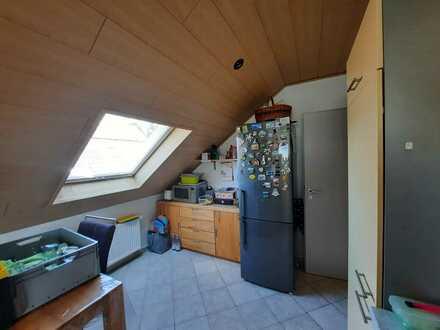 4,5 Zimmer-Wohnung in ruhiger Lage und 2 Familienhaus
