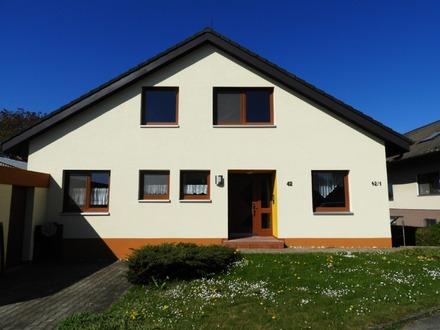 Charmante Doppelhaushälfte mit Garage in Warthausen *Sofort frei*