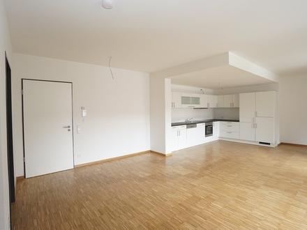 Großzügige 2-Zimmer Wohnung in zentraler Lage