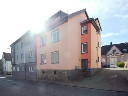 Kapitalanlage!! Kernsaniertes, vermietetes 3-Familienhaus in attraktiver Citylage in Kelkheim
