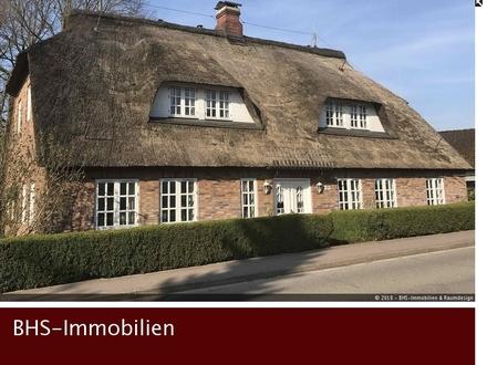 Zum Verlieben: Charmantes Landhaus unter Reet mit Gewerbefläche in Schleinähe