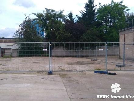 BERK Immobilien - Freiflächen/Lagerplatz (ab ca. 200 m²) - in Mühlheim zu vermieten