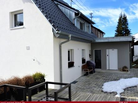 Attraktive Doppelhaushälfte mit sonnigem Garten!