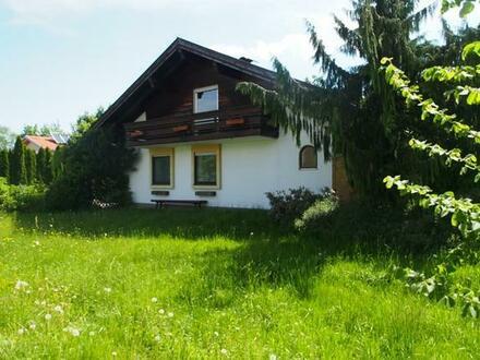 Rarität in Traumlage - Panoramagrundstück mit Bungalow im Chiemgau