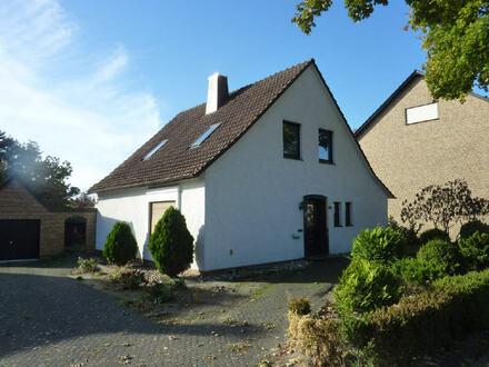 Wohnhaus mit Ausbaureserve und Traumgrundstück in Ostscheid!