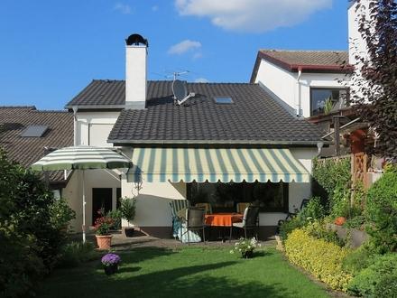 Reihenmittelhaus mit Garage und herrlichem Garten in Wullenstetten