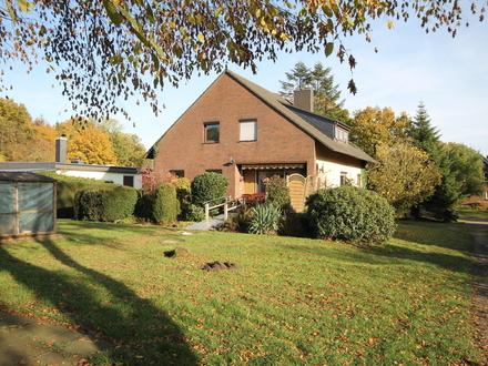Freistehendes 1-2 Familienhaus in idyllischer Lage