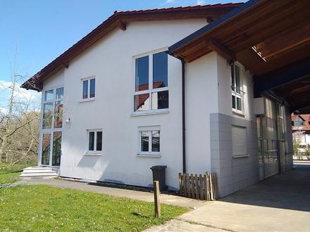 Gewerbe Halle Büro Stellplatz