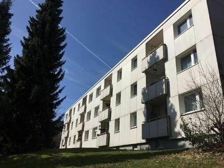 +++ Helle 2,5 Raumwohnung mit Balkon +++