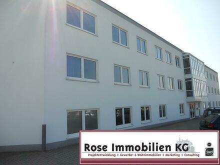 ROSE IMMOBILIEN KG: Moderne Büroräume nahe der BAB 2 in Vlotho zu vermieten