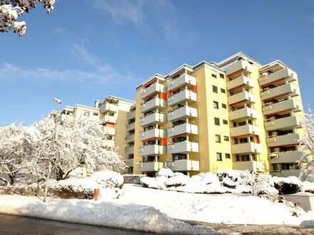 Bezugsfreie und ansprechende 4,5 Zimmer Wohnung in Weingarten