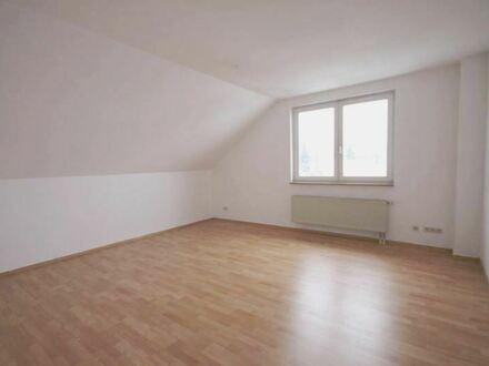 +++ Dachgeschosswohnung in Neukirchen +++
