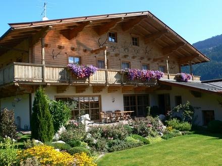 Jochberg: SKI-IN / SKI- OUT Großzügiges Landhaus mit Indoorpool und herrlichem Garten