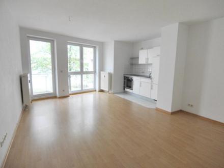 2-Zimmer, V.-Bad, EBK, Balkon