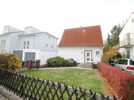 Entzückendes Kleinod oder Neubau in Top Lage von Schwalbach