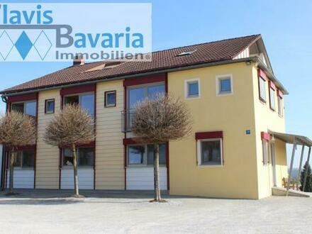 eh. Hofstelle oberhalb Donautal, Niederbayern: großes Wohngebäude mit Nebengebäuden und großem Grundstück