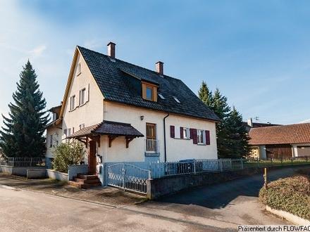 Zweifamilienhaus mit tollem Grundstück in Schlier-Fenken!