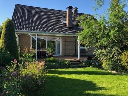Gepfl. 1-2- Fam.-Haus mit traumhaftem Garten, Vollkeller, Garage, gute Lage 33335 Gütersloh