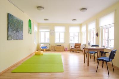 Helle, freundliche Praxis/Büro/Atelier mitten im Zentrum
