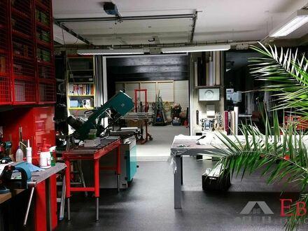 Produktionshalle mit Luxusausstellungsfläche in Zwiesel