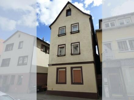 Klein - fein mein: teilrenoviertes Stadthaus