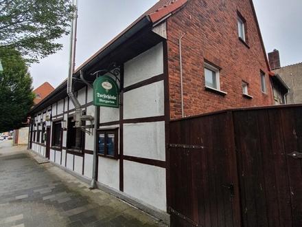 Reserviert!!! Fachwerkhaus mit Potenzial in Enniger. Wohnung, Gaststätte mit großem Biergarten, Gewerbefläche und Lagerhaus!