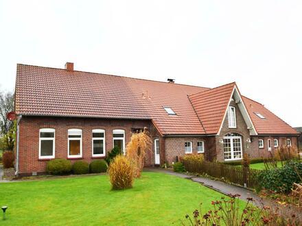 Außergewöhnliche Immobilie im Landhausstil mit zwei Wohnungen in Zetel