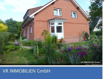 Doppelhaus mit Erker und Gaube in beliebter Wohnlage von Schwerin