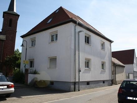 :: Freistehendes Mehrfamilienhaus - Ideal für Kapitalanleger (H 501) ::