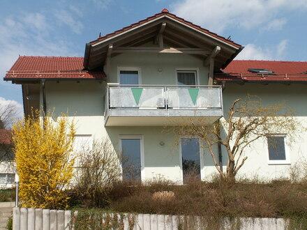 Helle und gemütliche 4-Zi.-Erdgeschoss-Whg. mit großer Terrasse in Patersdorf