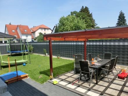 Maisonette- Wohnung auf drei Etagen mit Garten und Terrasse in Mannheim, Rheinau-Süd!