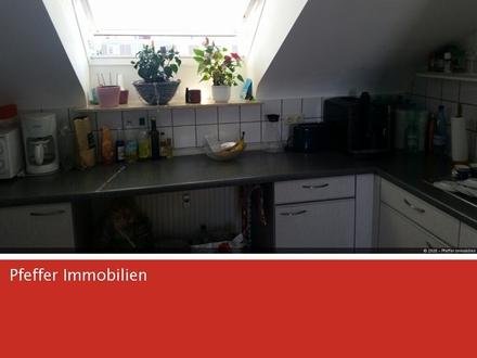 FÜR DACHGESCHOSS-FANS- 2 Zimmerwohnung mit Gartennutzung