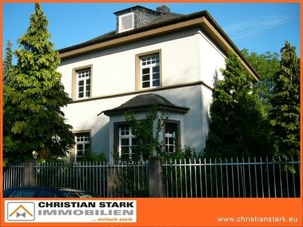 Herrschaftliche Villa mit großem Grundstück, 2 Garagen, in ruhiger Lage nahe der Diakonie!
