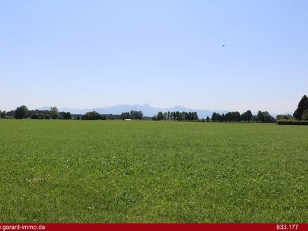 Spektakuläres Bergpanorama garantiert! Herrliches landwirtschaftliches Grünland in Großkarolinenfeld
