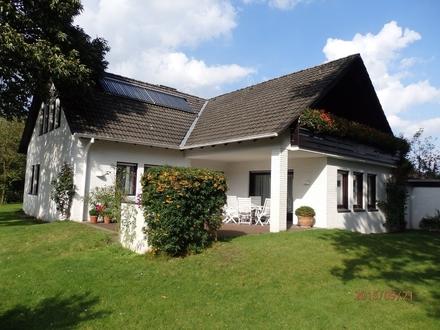 Äußerst gepfl. klassisches weißes Einfam.-Haus in sehr guter Wohnlage, Solar, 2 Bäder , gr. Garage GT-Isselhorst