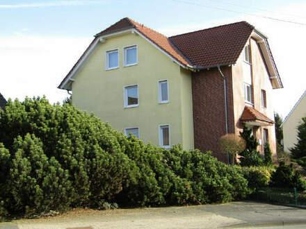 Spenge - Neuwertiges Zweifamilienhaus mit Bauplatz