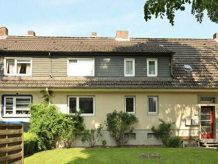 TT bietet an: Ruhige Eigentumswohnung in Dreifamilienhaus in WHV-Nord!
