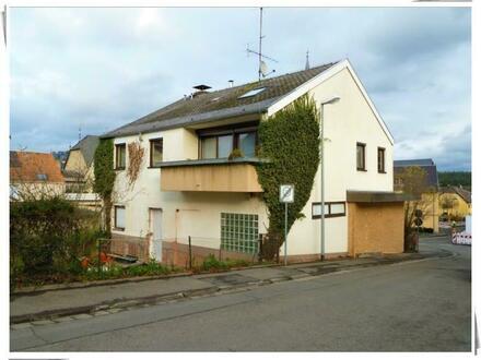 ** Eltville-Rauenthal: 7-Zimmer-Eigentumswohnung im 2-Familienhaus **