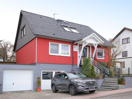 Familienglück: Einfamilienhaus mit schönem Garten, Garage und großer Nutzfläche in bevorzugter Lage