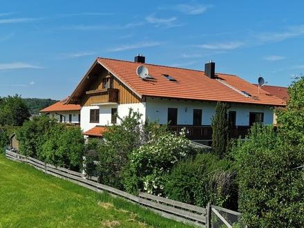Wunderschöne Doppelhaushälfte in ruhiger Ortsrandlage