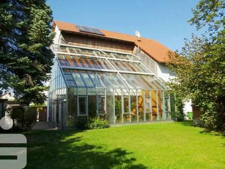 Besonderes Architektenhaus mit Wintergarten!