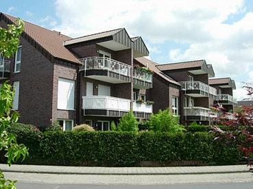 Moderne, hochwertige EG-Wohnung mit Terrasse, Garten, Gäste-WC und TG-Platz in guter Wohnlage.