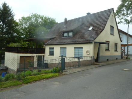 Freistehendes 1 Fam. Wohnhaus mit Garage