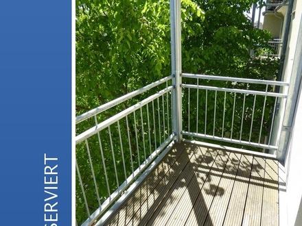 Erstbezug nach Sanierung - 1-Raum-Wohnung mit Balkon mitten in Schwerin