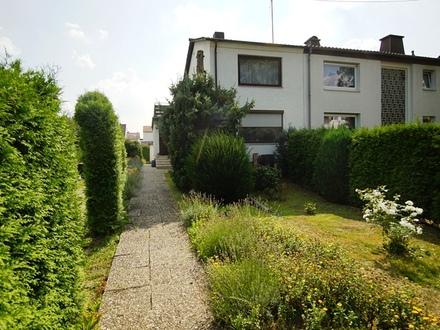 Doppelhaushälfte mit Erweiterungspotential in ruhiger Wohnlage von F-Goldstein!