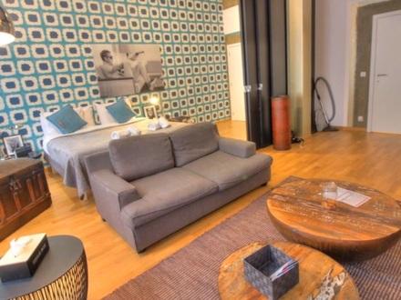 Moderne Wohnung voll möbliert
